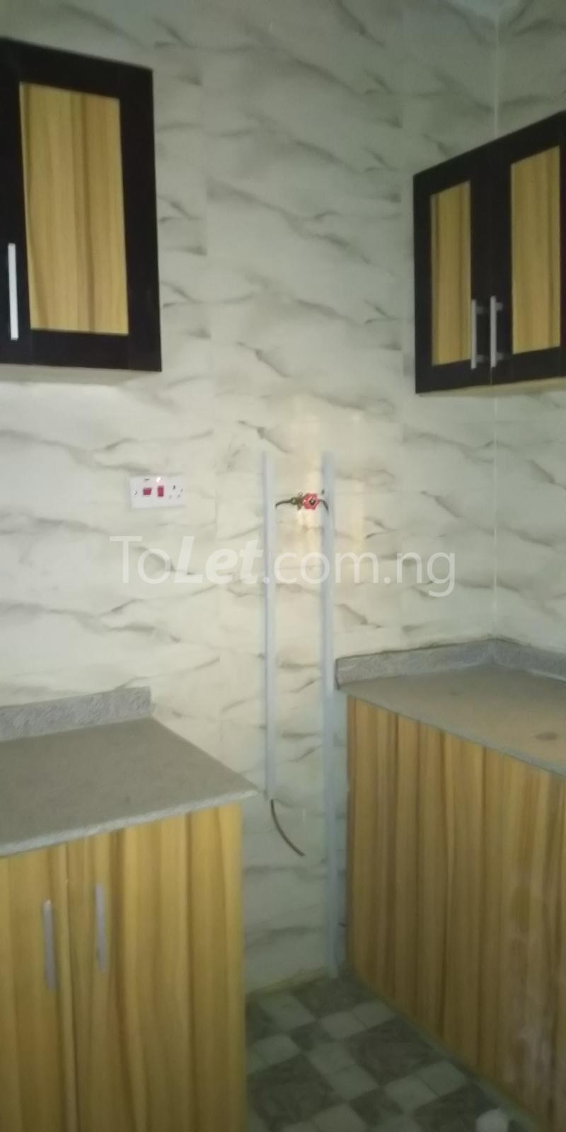 2 bedroom Flat / Apartment for rent Iponri Estate  Iponri Surulere Lagos - 6