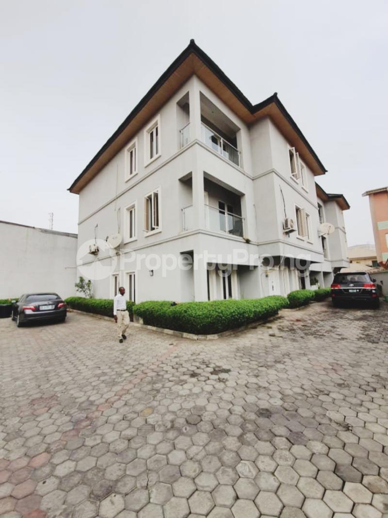 4 bedroom Terraced Duplex House for sale Agungi Lekki Lagos - 17