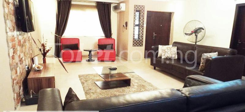 3 bedroom Flat / Apartment for shortlet Off Shomide Odujirin Omole phase 2 Ojodu Lagos - 0