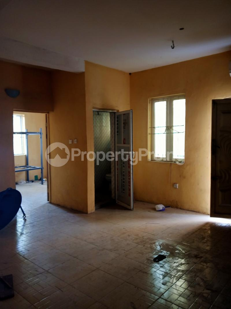2 bedroom Shared Apartment Flat / Apartment for rent Ayodele street, Abule-Oja Yaba Lagos - 2