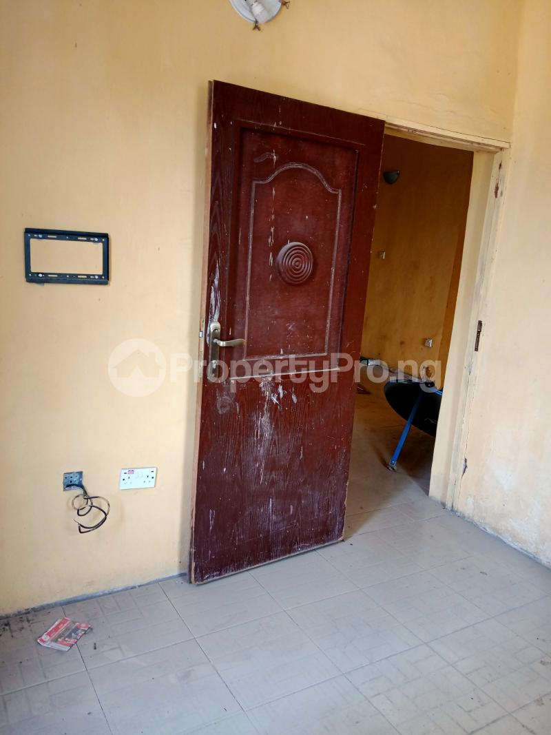 2 bedroom Shared Apartment Flat / Apartment for rent Ayodele street, Abule-Oja Yaba Lagos - 7