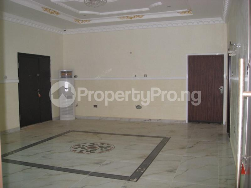 6 bedroom Detached Duplex House for sale off 1st avenue, Gwarinpa Abuja - 4