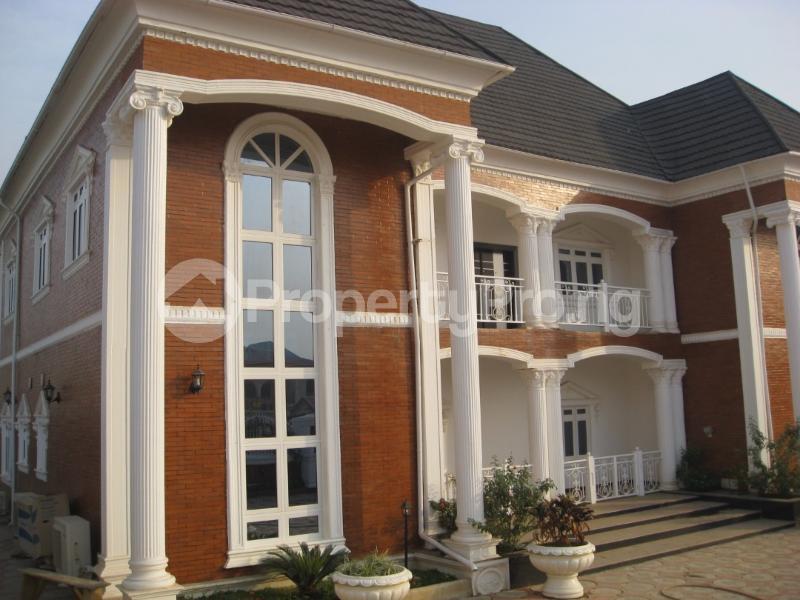 6 bedroom Detached Duplex House for sale off 1st avenue, Gwarinpa Abuja - 1