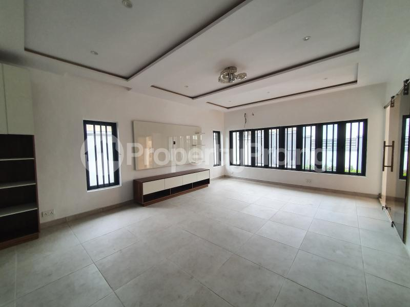 5 bedroom Detached Duplex House for sale - chevron Lekki Lagos - 3