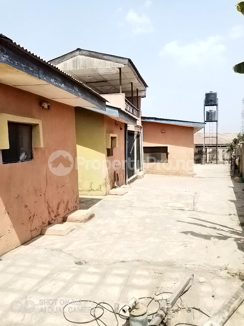 10 bedroom Shared Apartment Flat / Apartment for sale Olodo Area Iwo Road Ibadan Egbeda Oyo - 9