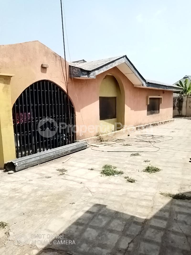 10 bedroom Shared Apartment Flat / Apartment for sale Olodo Area Iwo Road Ibadan Egbeda Oyo - 7