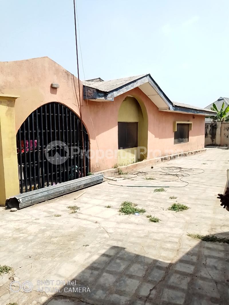 10 bedroom Shared Apartment Flat / Apartment for sale Olodo Area Iwo Road Ibadan Egbeda Oyo - 8
