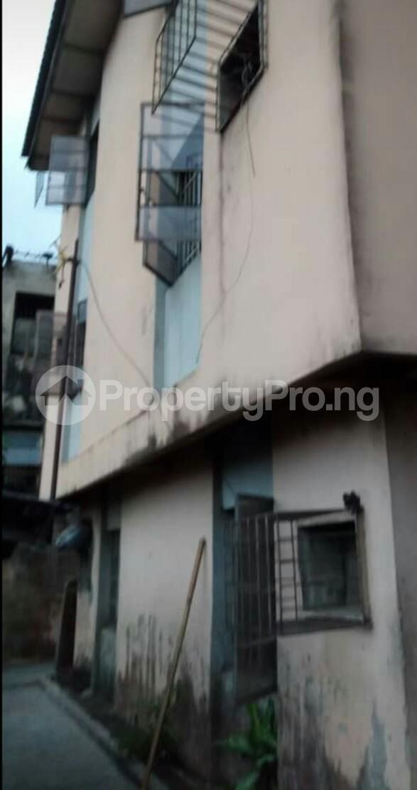 Flat / Apartment for sale 26 Shonde Street, Off Adesina street Ijesha Surulere Lagos - 1