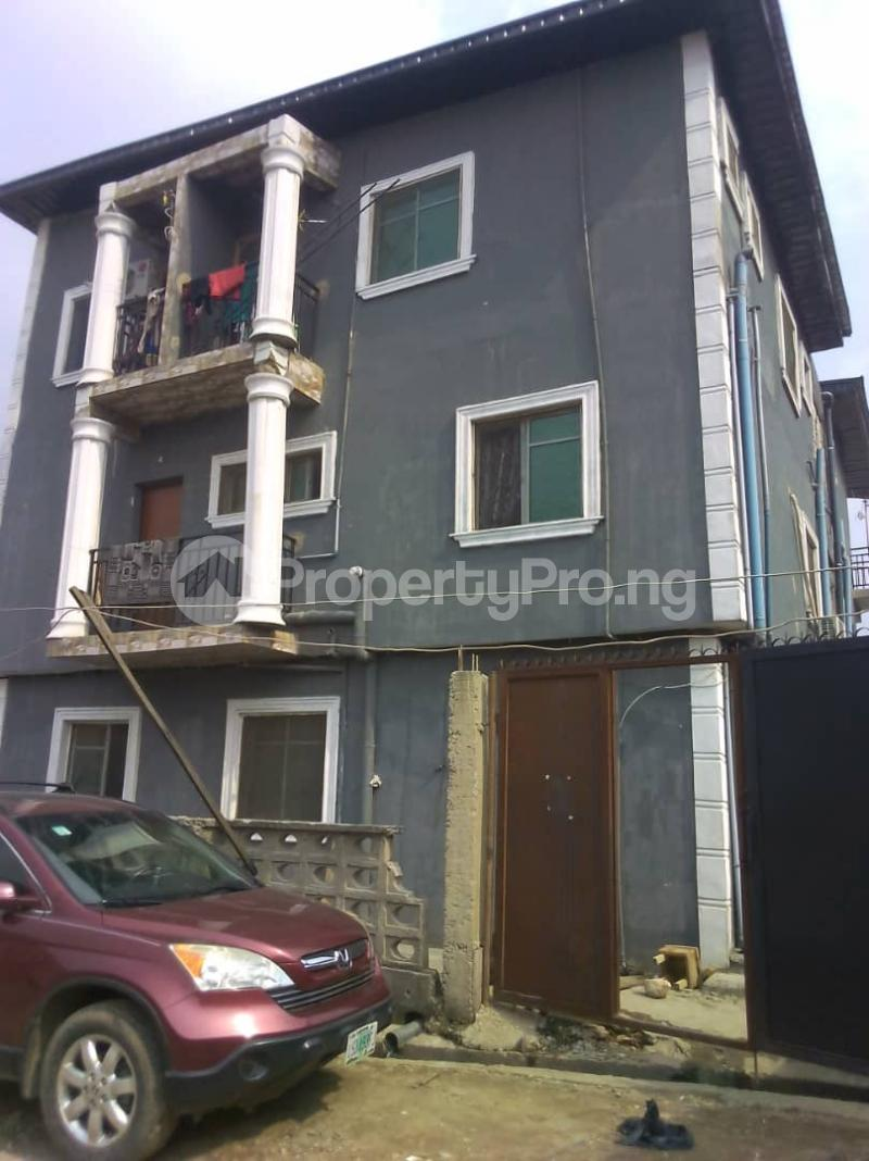 1 bedroom mini flat  Mini flat Flat / Apartment for rent . Ladipo Mushin Lagos - 0