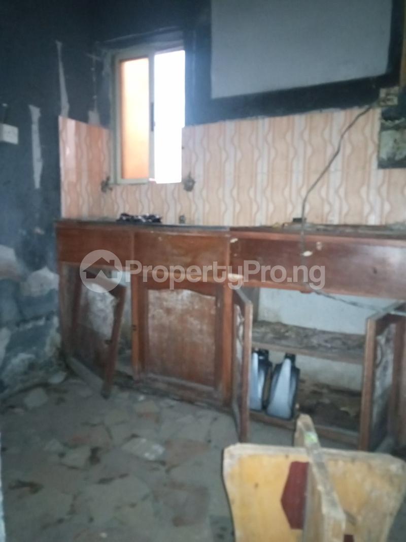 1 bedroom Mini flat for rent Alagomeji Alagomeji Yaba Lagos - 3