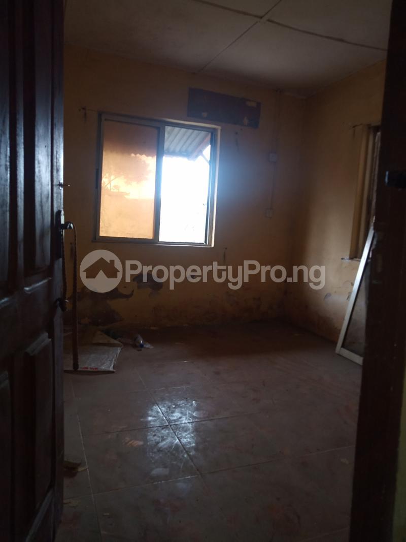 1 bedroom Mini flat for rent Alagomeji Alagomeji Yaba Lagos - 5