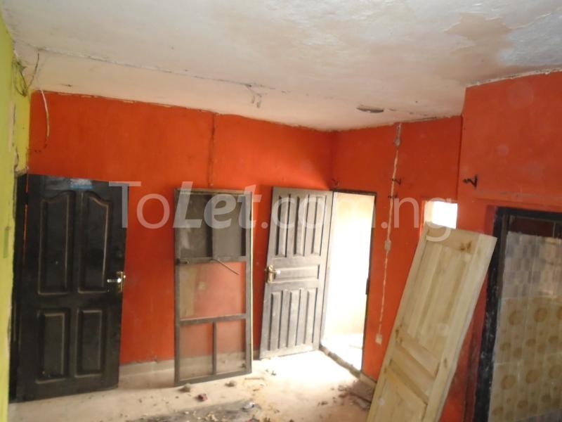 1 bedroom mini flat  Flat / Apartment for rent - Lawanson Surulere Lagos - 5