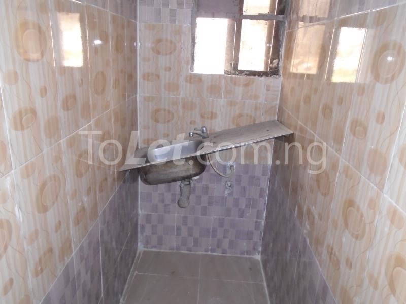1 bedroom mini flat  Flat / Apartment for rent - Lawanson Surulere Lagos - 8