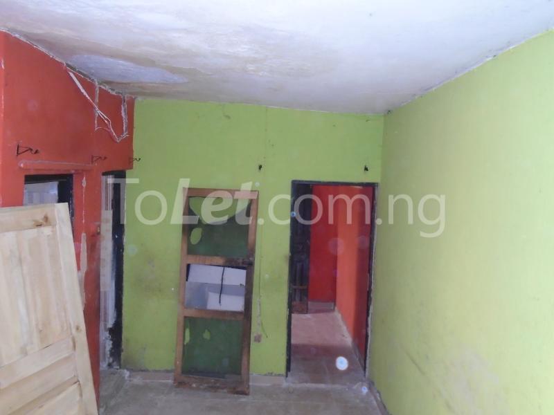 1 bedroom mini flat  Flat / Apartment for rent - Lawanson Surulere Lagos - 4