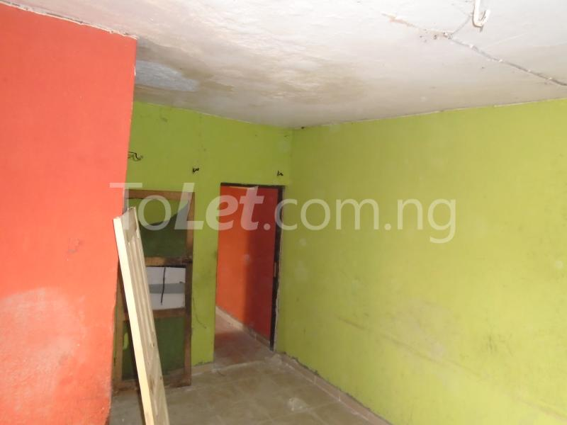 1 bedroom mini flat  Flat / Apartment for rent - Lawanson Surulere Lagos - 2