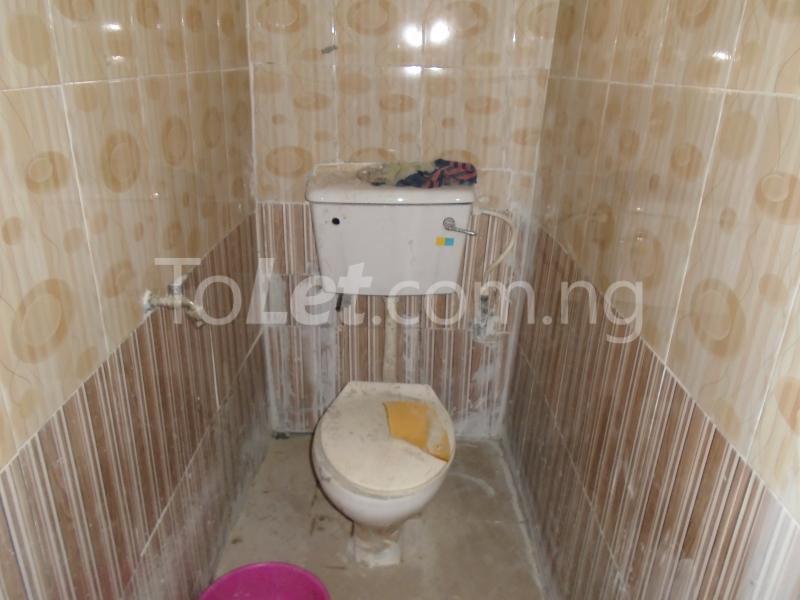 1 bedroom mini flat  Flat / Apartment for rent - Lawanson Surulere Lagos - 6