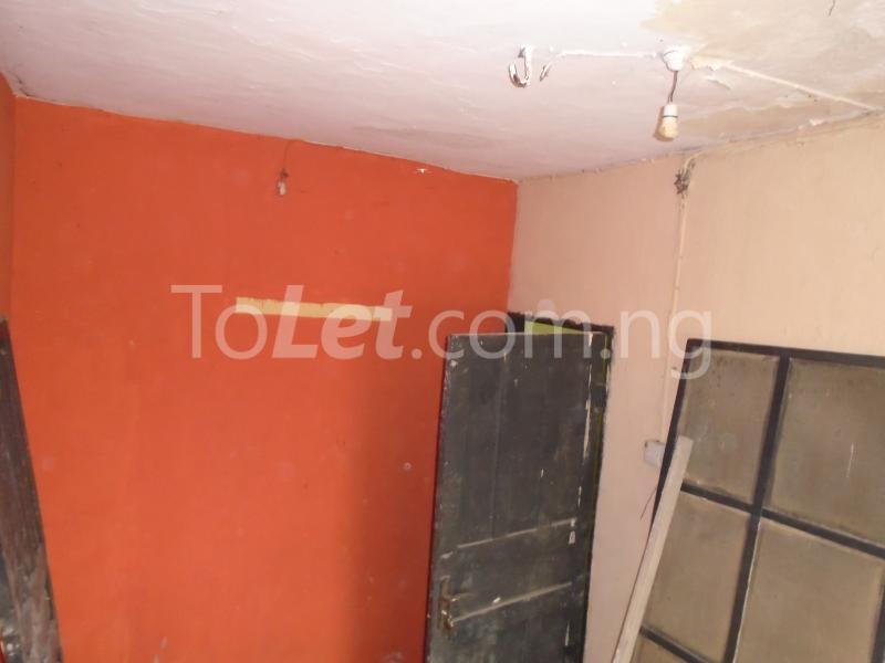 1 bedroom mini flat  Flat / Apartment for rent - Lawanson Surulere Lagos - 11