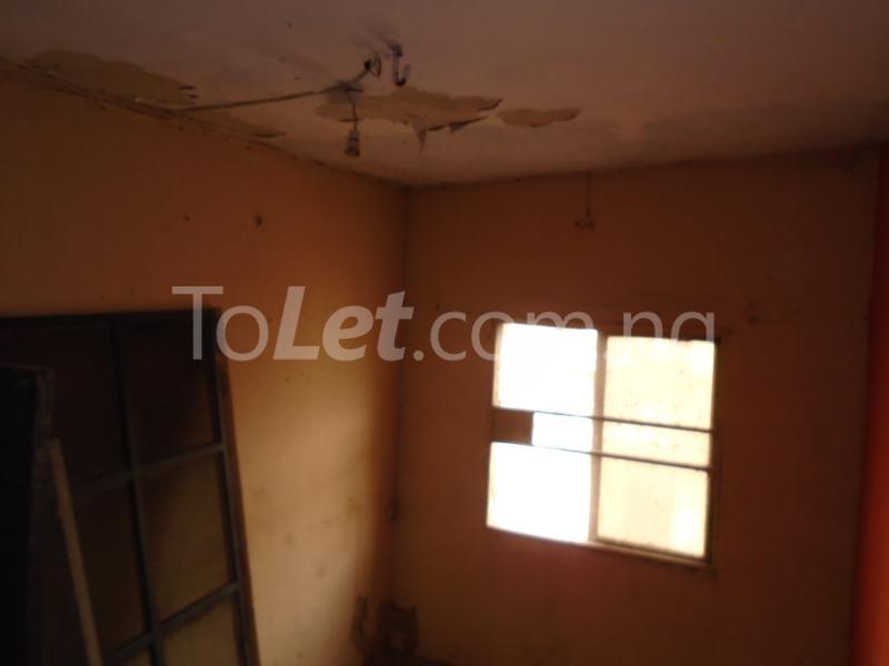 1 bedroom mini flat  Flat / Apartment for rent - Lawanson Surulere Lagos - 10