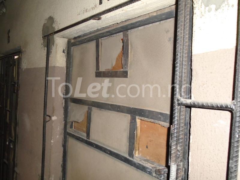 1 bedroom mini flat  Flat / Apartment for rent - Lawanson Surulere Lagos - 0