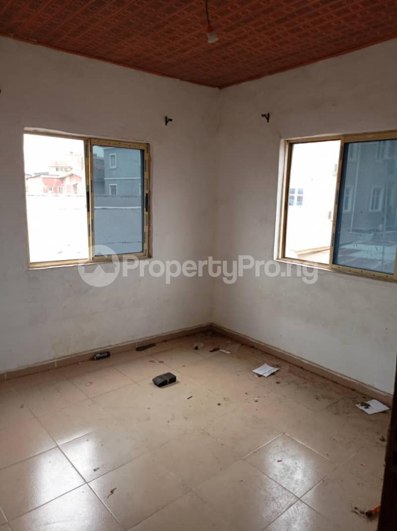 Flat / Apartment for rent Fola Agoro Yaba Lagos - 2