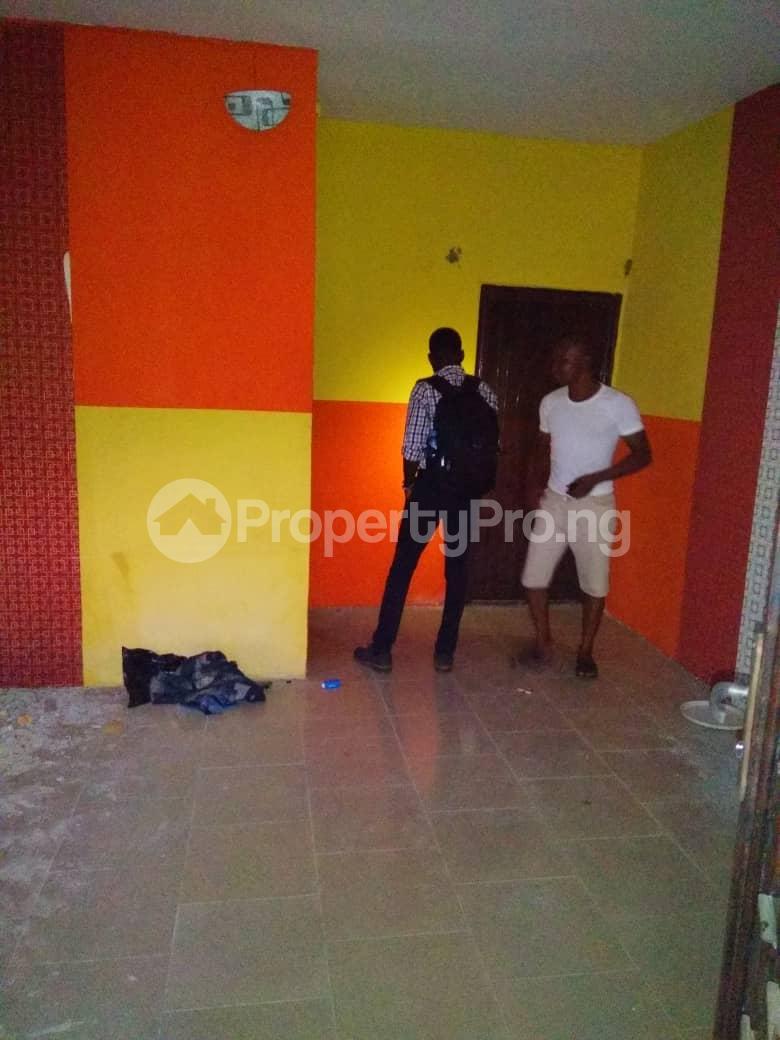 1 bedroom mini flat  Mini flat Flat / Apartment for rent Ishaga Road Ojuelegba Surulere Lagos - 3