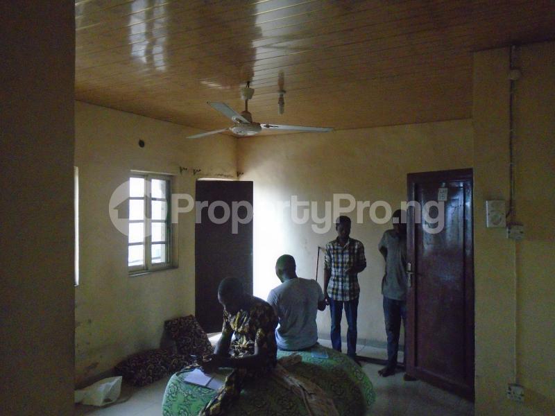 1 bedroom mini flat  Mini flat Flat / Apartment for rent close to lawanson bus stop Lawanson Surulere Lagos - 4