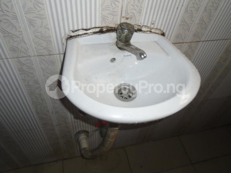 1 bedroom mini flat  Mini flat Flat / Apartment for rent close to lawanson bus stop Lawanson Surulere Lagos - 9