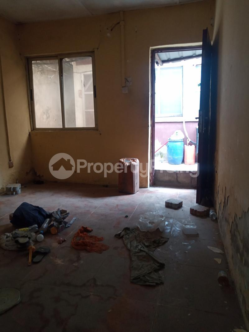 1 bedroom Mini flat for rent Alagomeji Alagomeji Yaba Lagos - 2