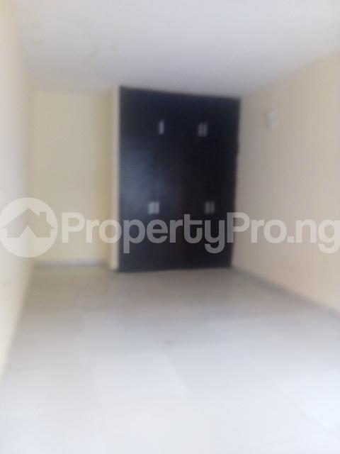 1 bedroom Mini flat for rent Owuokiri Street Alaka Estate Surulere Lagos - 4