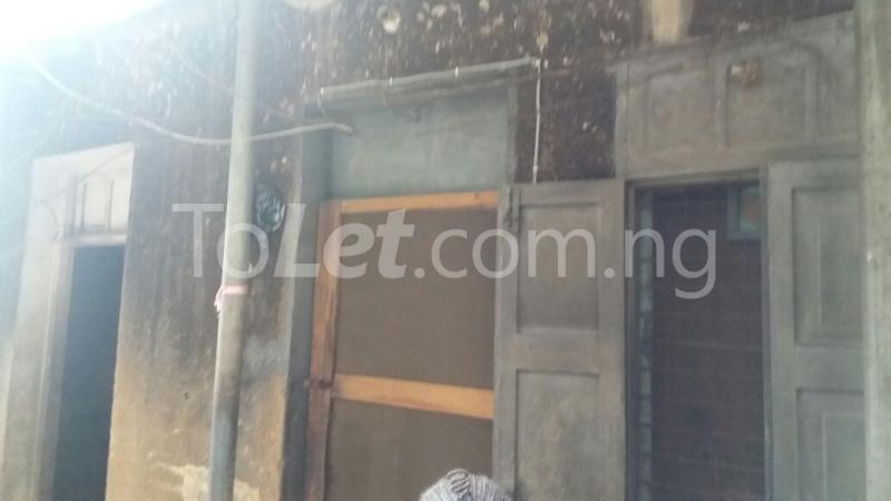 1 bedroom House for sale Aiyetoro Street Fadeyi Shomolu Lagos - 1