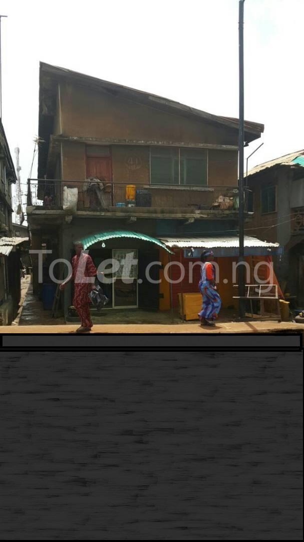 1 bedroom House for sale Aiyetoro Street Fadeyi Shomolu Lagos - 0
