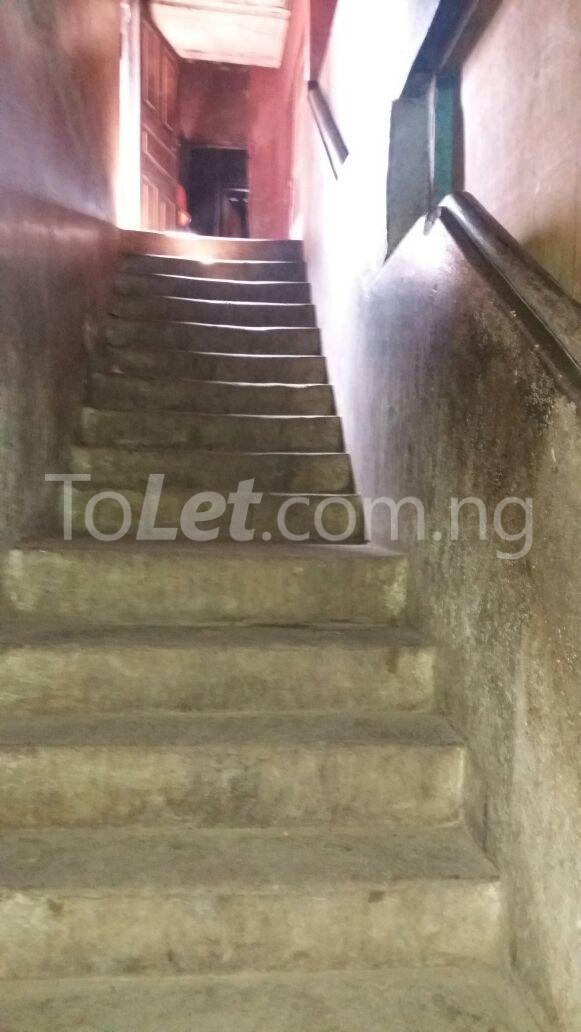 1 bedroom House for sale Aiyetoro Street Fadeyi Shomolu Lagos - 4