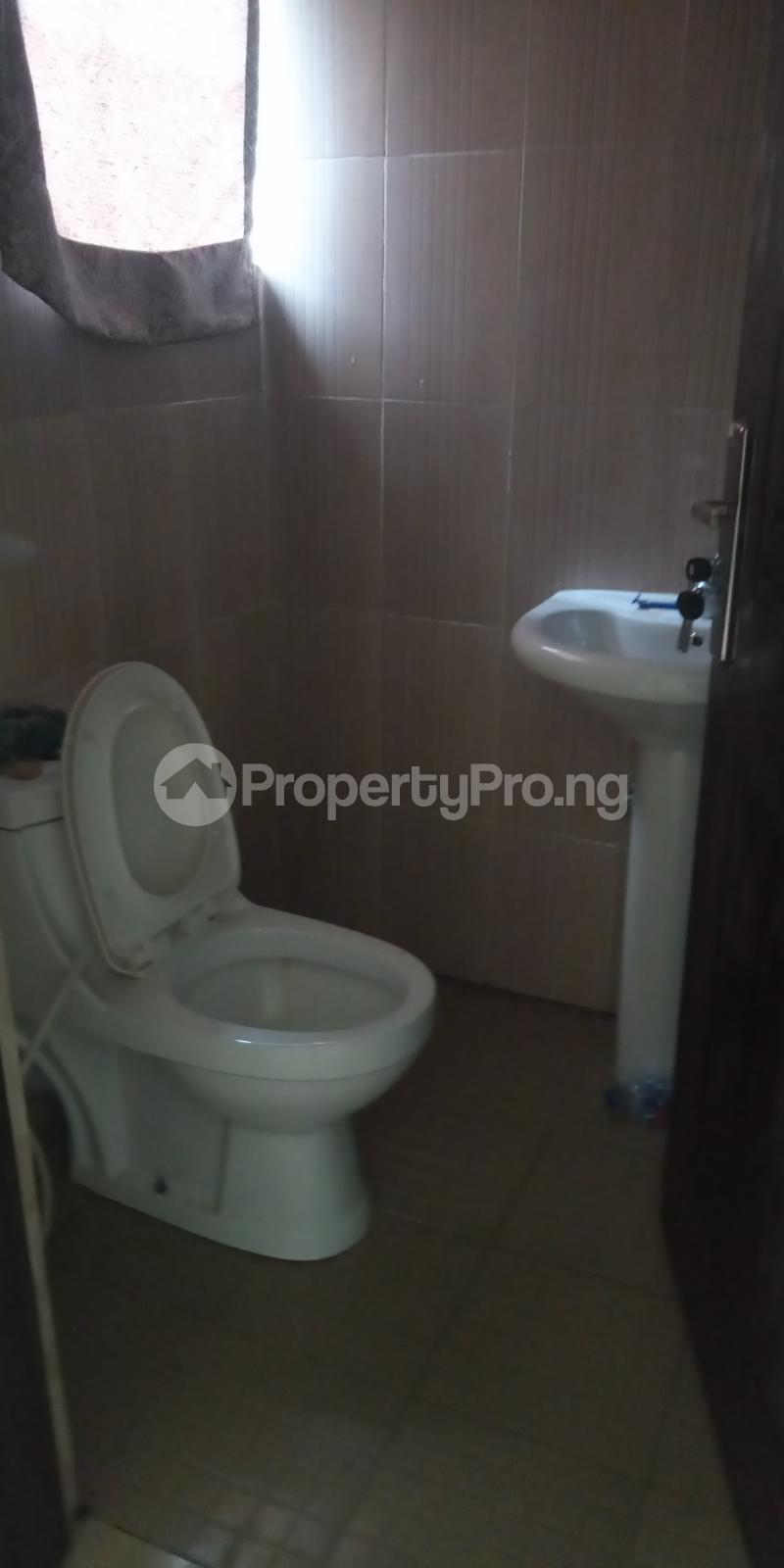 2 bedroom Blocks of Flats House for rent Adebisi tolani Medina Gbagada Lagos - 8