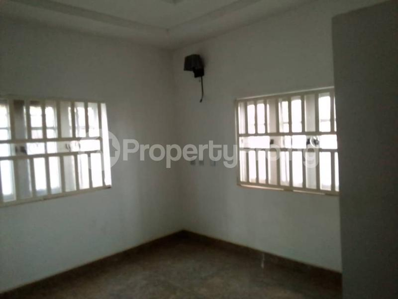 5 bedroom Detached Bungalow House for sale Brent Mall, Saw Mill Bus Stop, Old Ife Road, Ibadan. Iwo Rd Ibadan Oyo - 5