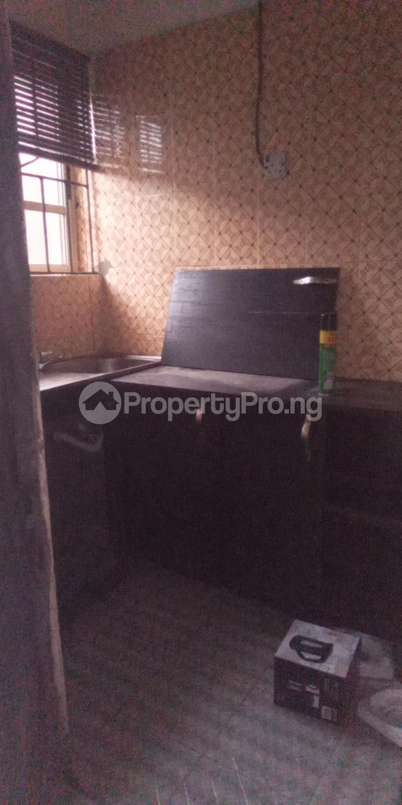 1 bedroom mini flat  Mini flat Flat / Apartment for rent Off Bayo Shodipo, close to empire Surulere Lagos - 2