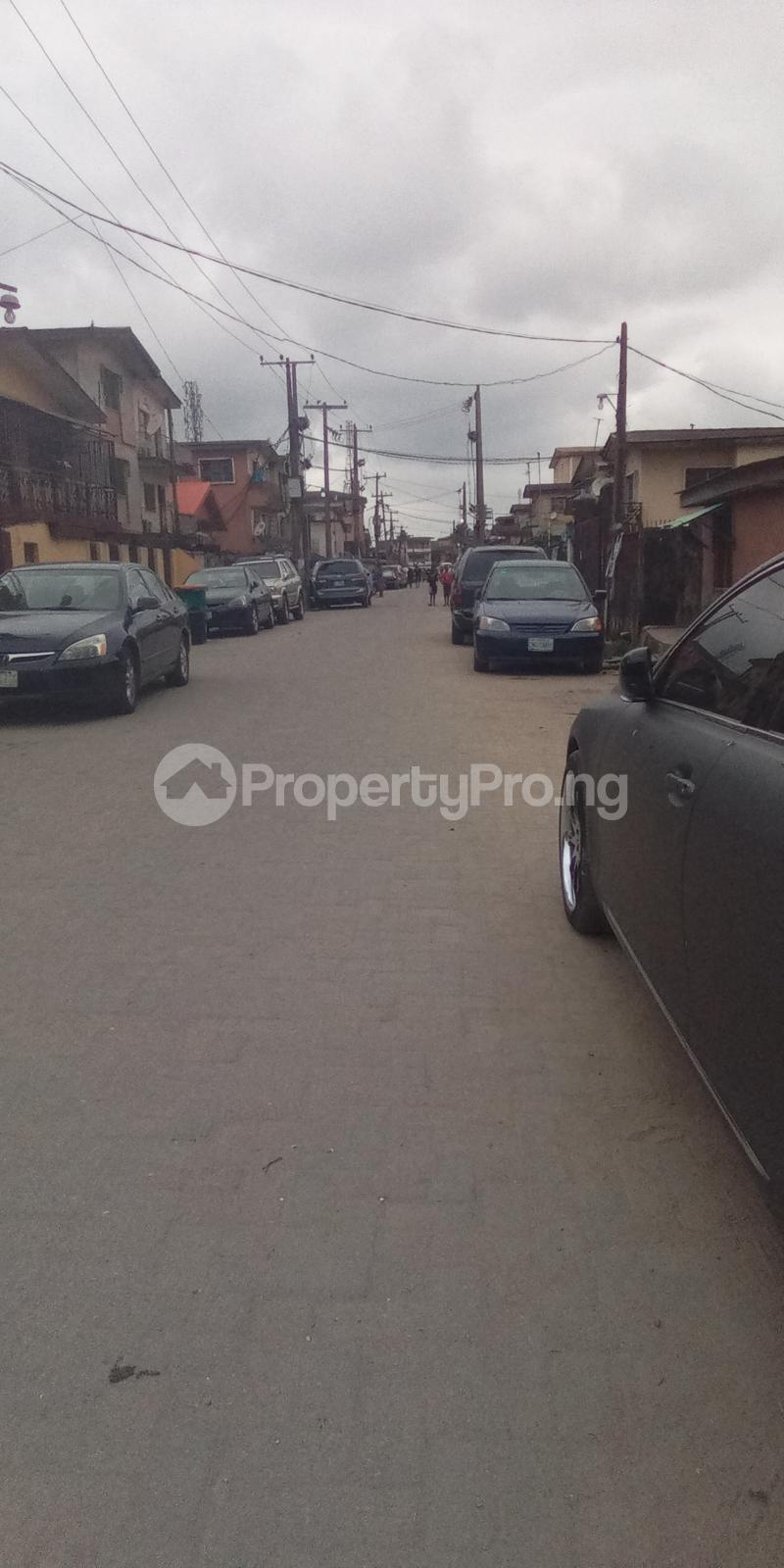 1 bedroom mini flat  Mini flat Flat / Apartment for rent Off Bayo Shodipo, close to empire Surulere Lagos - 4
