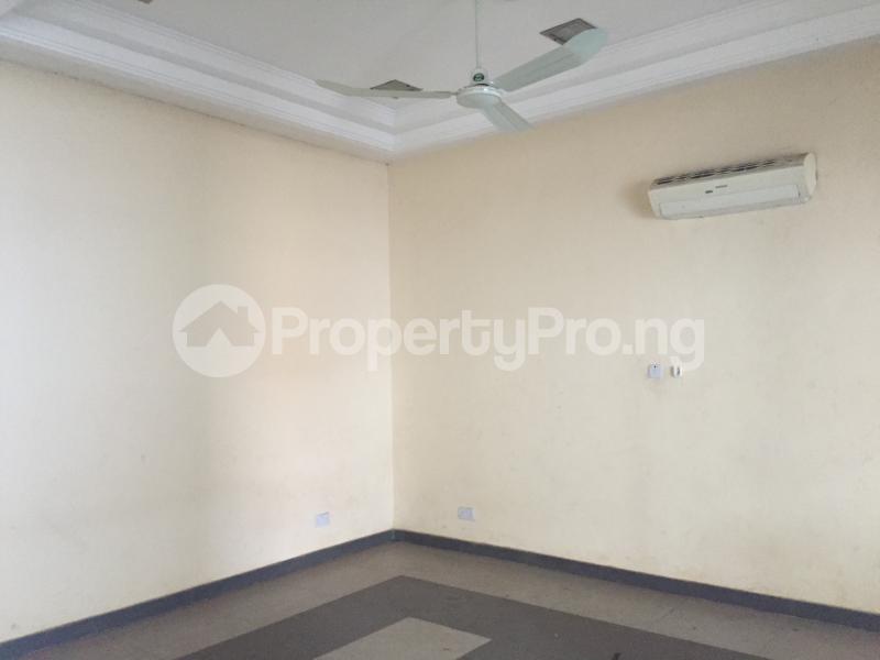 1 bedroom Office Space for rent Nnebisi Road Asaba Delta - 7