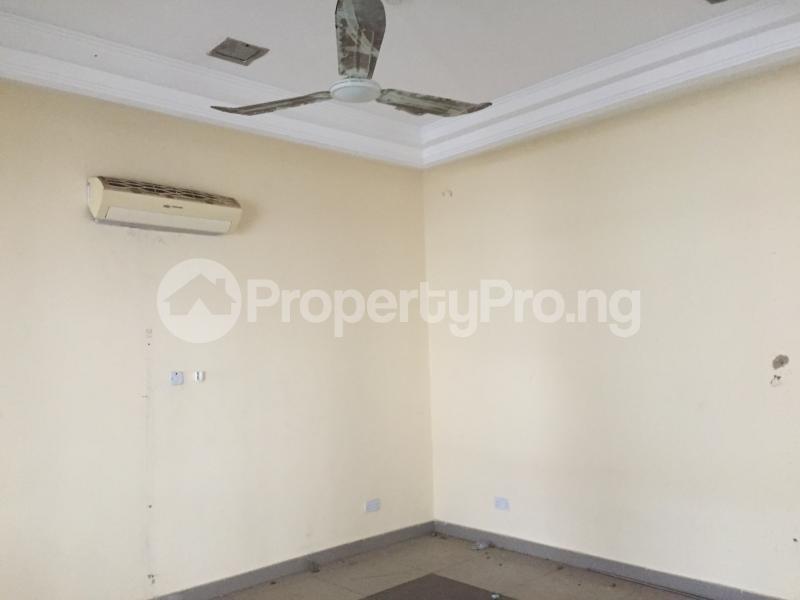 1 bedroom Office Space for rent Nnebisi Road Asaba Delta - 4