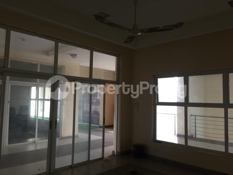 1 bedroom Office Space for rent Nnebisi Road Asaba Delta - 6