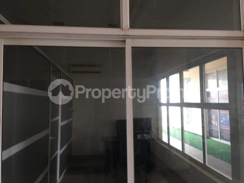 1 bedroom Office Space for rent Nnebisi Road Asaba Delta - 3