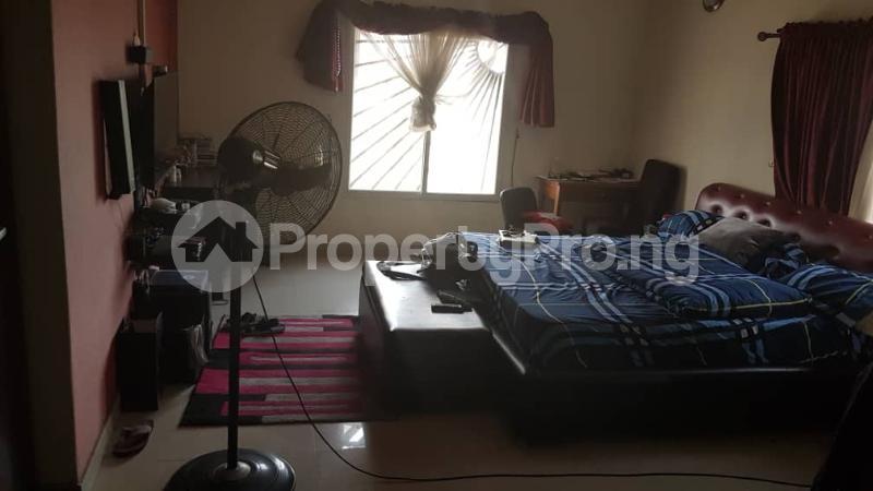 3 bedroom Flat / Apartment for sale Yaba Gra Abule-Oja Yaba Lagos - 18