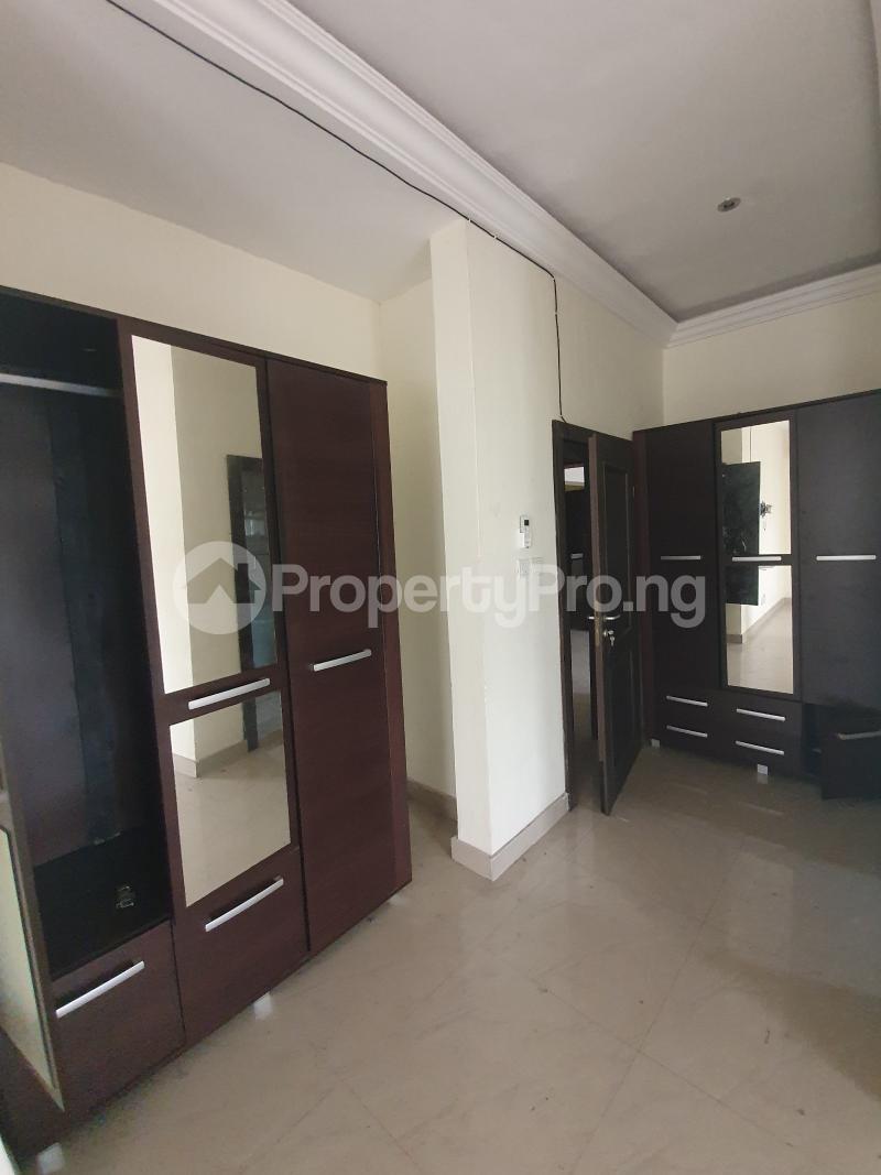 3 bedroom Flat / Apartment for sale Yaba Gra Abule-Oja Yaba Lagos - 1