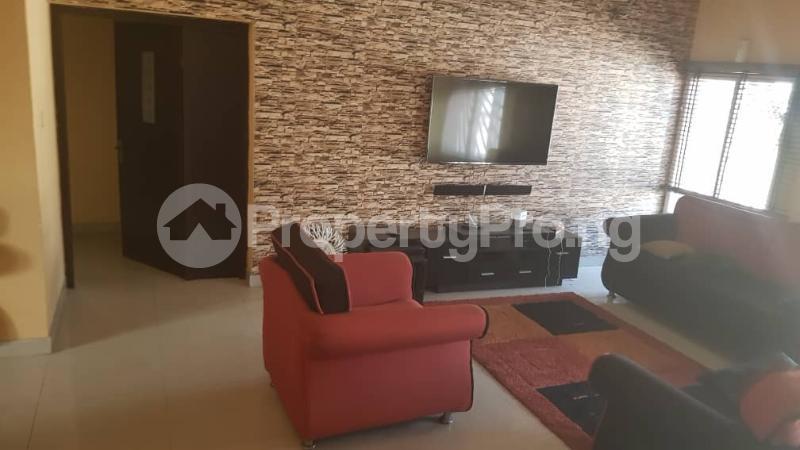 3 bedroom Flat / Apartment for sale Yaba Gra Abule-Oja Yaba Lagos - 17