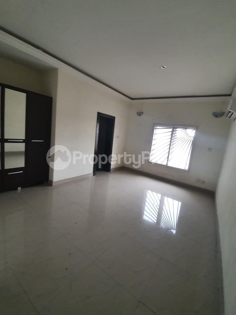 3 bedroom Flat / Apartment for sale Yaba Gra Abule-Oja Yaba Lagos - 2