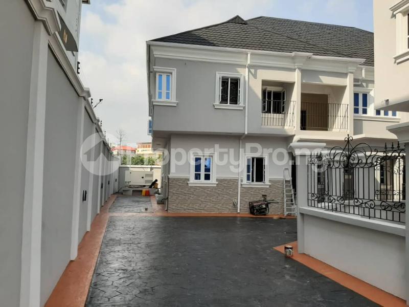 4 bedroom Semi Detached Duplex for sale Arowojobe Estate Mende Maryland Mende Maryland Lagos - 0
