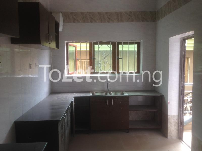 3 bedroom Flat / Apartment for rent Modupe  Fola Agoro Yaba Lagos - 9
