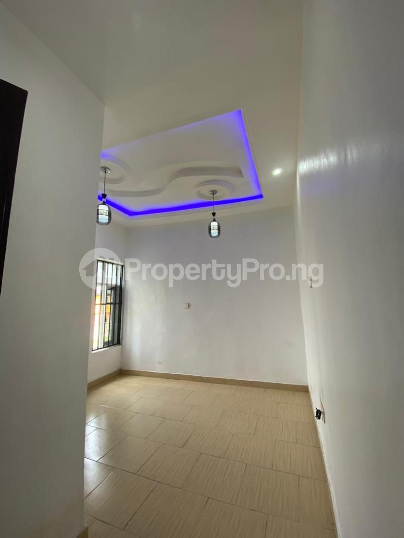 4 bedroom Flat / Apartment for sale Jakande Estate  Osolo way Isolo Lagos - 21