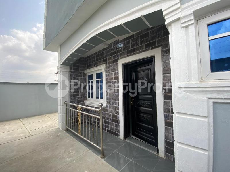 4 bedroom Flat / Apartment for sale Jakande Estate  Osolo way Isolo Lagos - 3