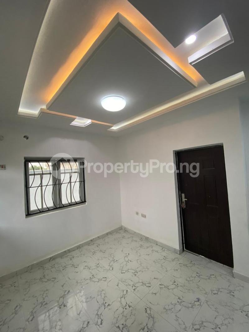 4 bedroom Flat / Apartment for sale Jakande Estate  Osolo way Isolo Lagos - 0