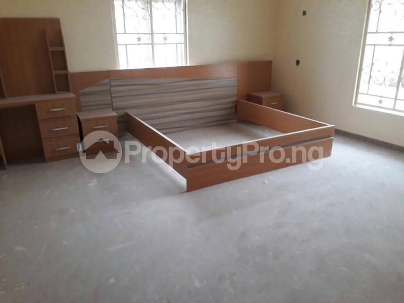 5 bedroom House for sale  alabameta area very close to main tiled road behinde katados filling-stations off osogbo Ikirun road, Olorunda L. G Osogbo osun state.  Olorunda Osun - 35